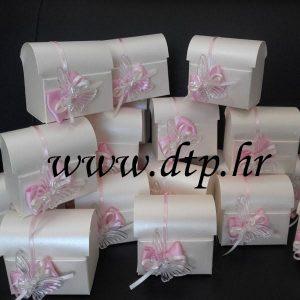 pokloni_za_goste_leptir_rozo